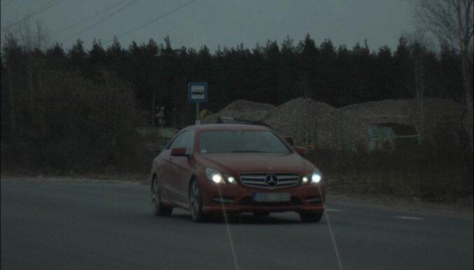 'Mercedes' Rīgā traucies ar 148 km/h