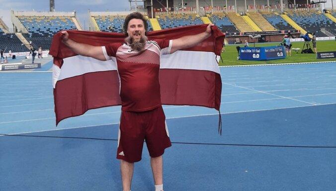 Paravieglatlēts Bergs kronēts par Eiropas čempionu lodes grūšanā