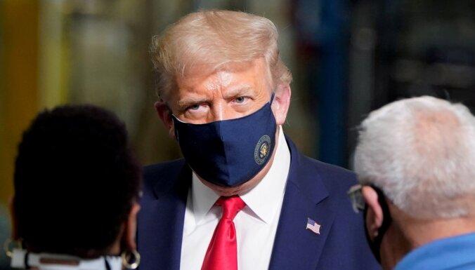 "Трамп пообещал американцам бесплатный препарат от COVID-19 ""как у президента"""
