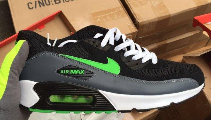 Liepājas ostā atsavina 12 tūkstošus, iespējams, viltotu 'Nike' sporta apavu