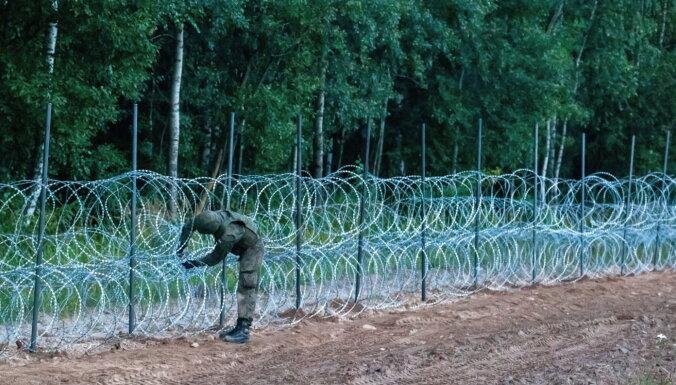 Polija nostiprinās robežu ar Baltkrieviju, būvējot pamatīgu žogu