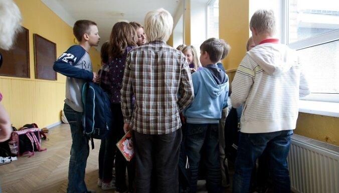 Бюро омбудсмена предлагает усилить госнадзор в школах нацменьшинств