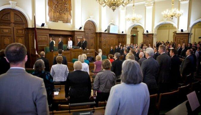 Nacionālā apvienība rosina deputātiem par zvēresta pārkāpšanu atņemt mandātus