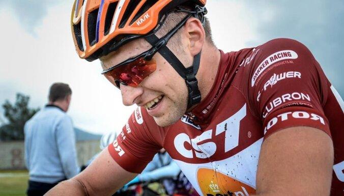 Uz nenoteiktu laiku atcelts pasaules čempionāts kalnu riteņbraukšanā