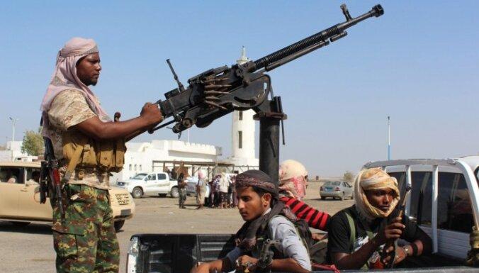 Jemenas valdības spēku uzbrukumā nogalināti 800 'Al Qaeda' kaujinieku