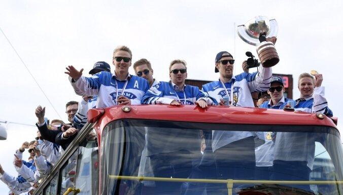 ФОТО: 50 тысяч человек пришли на чемпионский парад сборной Финляндии