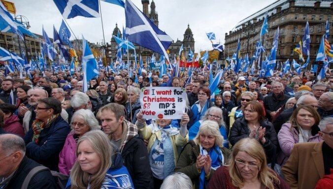 Тысячи шотландцев провели в Глазго демонстрацию за независимость
