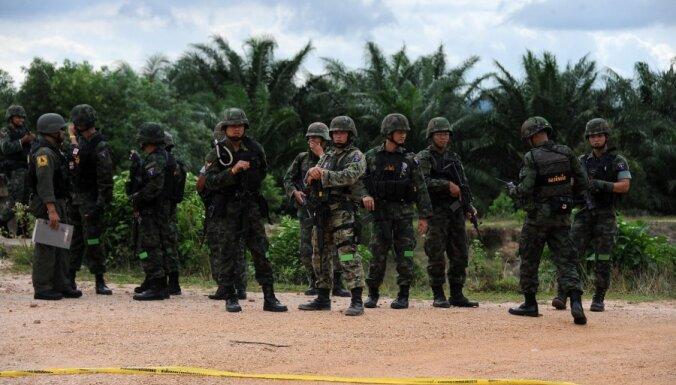 Kaujinieki Taizemē draud izrēķināties ar piektdienās strādājošajiem