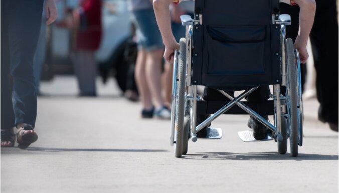 Strādājošie ar invaliditāti arī varēs saņemt dīkstāves pabalstu; 'Sustento' pauž gandarījumu