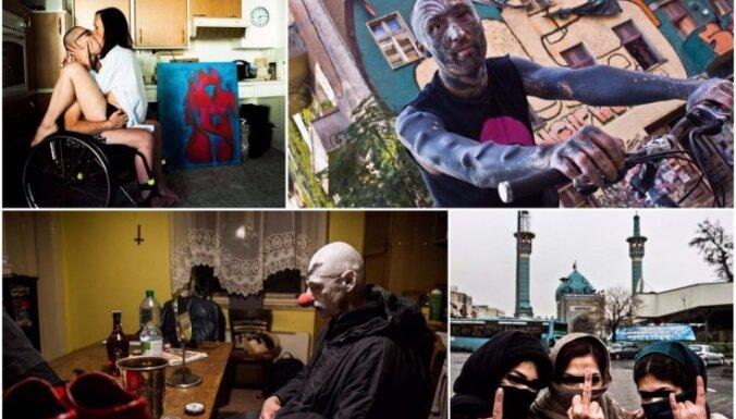 Berlīnes panki, Nepālas grausti un eksorcisms Etiopijā. Pasaule ielu fotogrāfa acīm