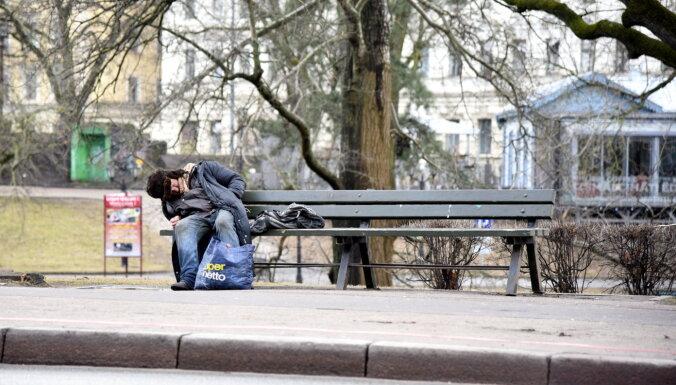 В Верманском парке стало больше бездомных, борьба с ними не дает результата