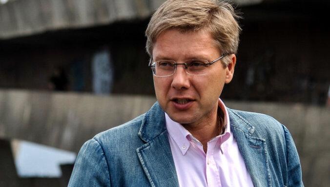 Valsts valodas centrs sodījis Ušakovu par RD saziņu svešvalodā sociālajos tīklos