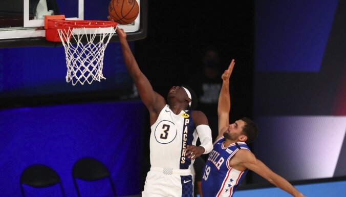 Vorens gūst 53 punktus 'Pacers' uzvarā pār '76ers'