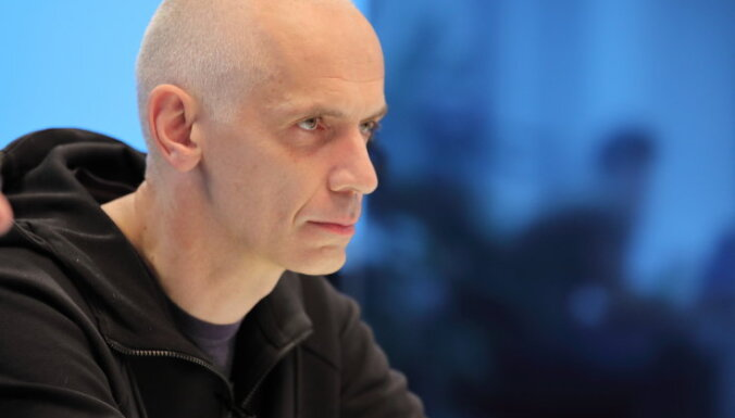 Ivars Austers, 'Rīgas laiks': Harismas radīšana