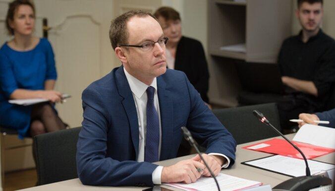 'Lai visas ģimenes būtu aizsargātas' – Saeimas komisija vēlas iekustināt dzīvesbiedru aizsardzības procesu