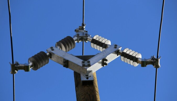'Sadales tīkls' pilotprojektā mēģina izbūvēt laikapstākļu neietekmējamu elektrotīklu