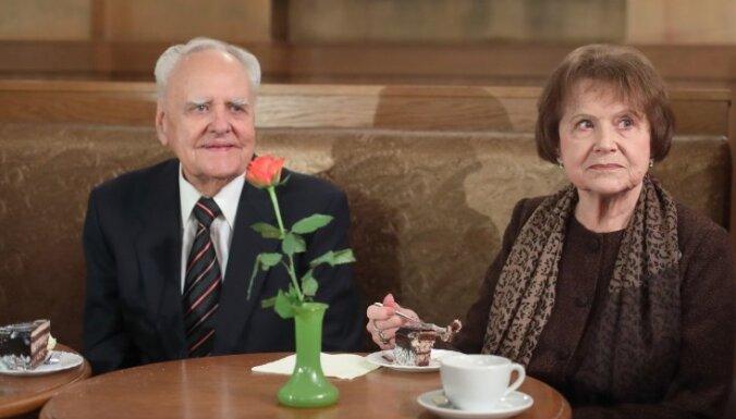 'Spēlmaņu nakts' balvas par mūža ieguldījumu saņems Māra Zemdega un Gunārs Placēns