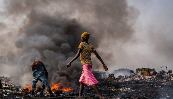 Dienas ceļojumu foto: Ganas atkritumu dedzinātāji