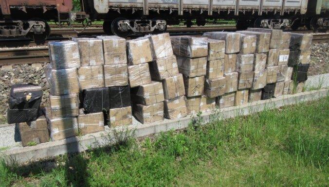 VID novērš 580 000 kontrabandas cigarešu ievešanu no Baltkrievijas
