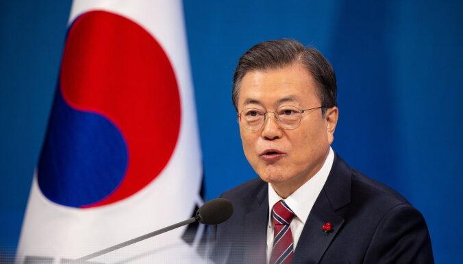Baidenam būtu jāaizvada sarunas ar Ziemeļkoreju, uzskata Dienvidkorejas prezidents