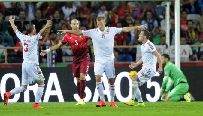 Portugāles futbolisti savā laukumā šokējoši zaudē Albānijai