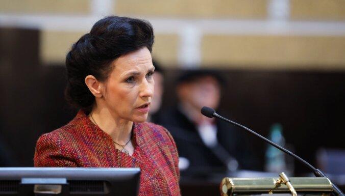 ZZS deputāti Saeimā iesniedz lēmuma projektu par neuzticību Šuplinskai