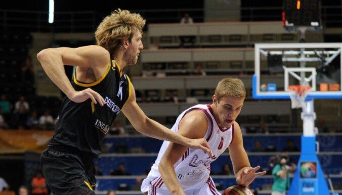 Latvija ar sāpīgu zaudējumu atvadās no 'Eurobasket 2011'