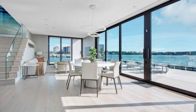 Pašizolēšanās ar stilu: peldošā luksusa villa Malibu