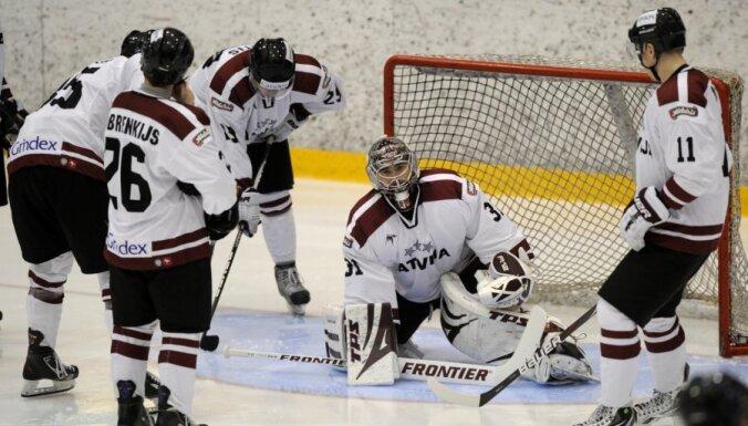 Latvijas hokeja izlase ar spēli pret Franciju noslēdz EIHC turnīru