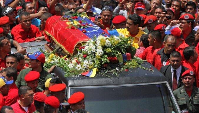 Fotoreportāža: Venecuēla sēro par Čavesu