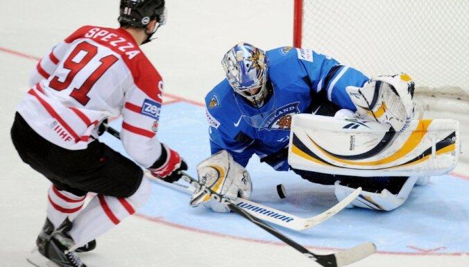 У Даугавиньша — 25-й матч в НХЛ, у Спеццы — 4 очка