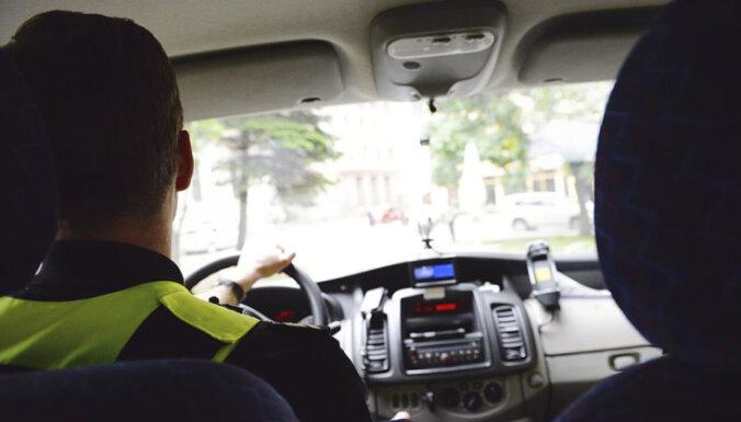 Без вести пропавшая женщина бросилась под колеса полиции
