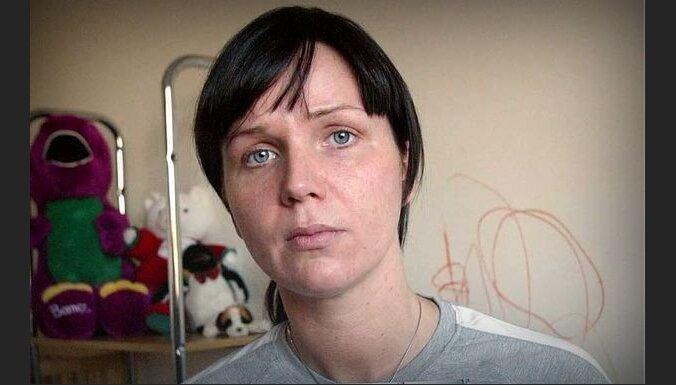 Īrijas policija nopratina trīs aizdomās turētos par Baibas Saulītes slepkavību
