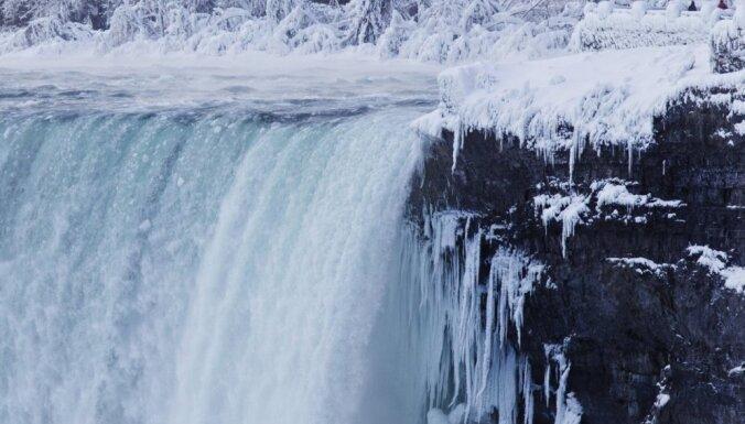 Dārdošā burvība starp divām valstīm – Niagāras ūdenskritums