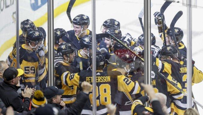 Bļugers un Girgensons ar aktīvitātēm NHL spēlēs sekmē komandu uzvaras