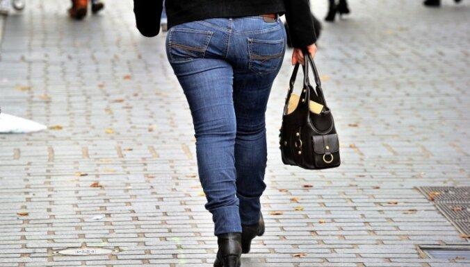 В Лиепае по горячим следам задержали похитителя дамских сумочек
