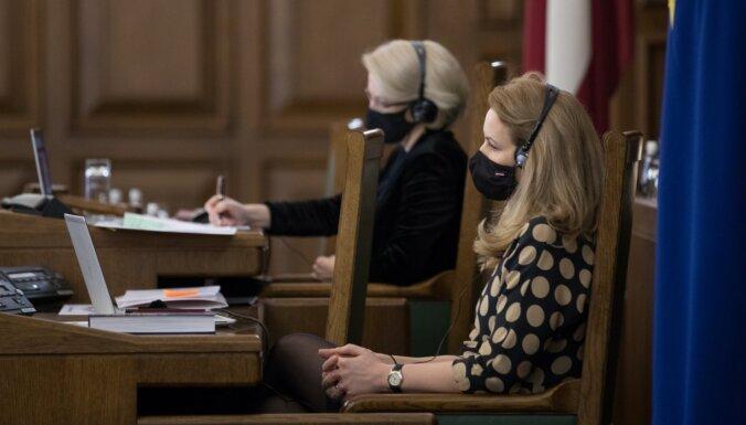 Saeima nobalso par 200 eiro pabalstu pensionāriem un personām ar invaliditāti