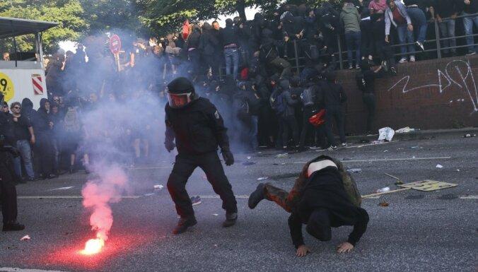 В Гамбурге произошли стычки между полицией и протестующими