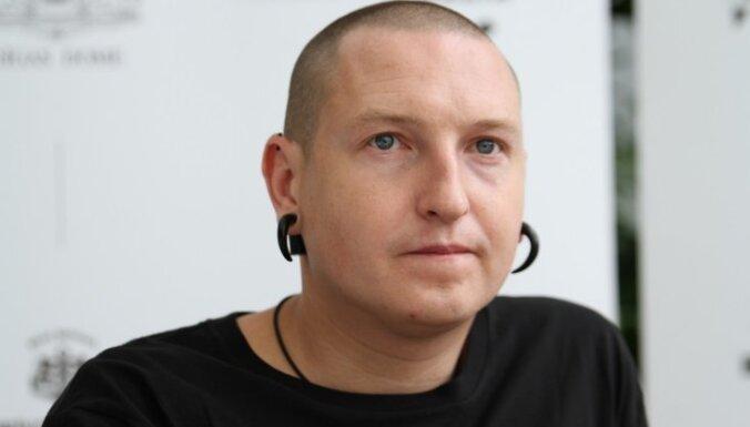 Atklās līdz šim plašāko mākslinieka Kristiana Brektes personālizstādi