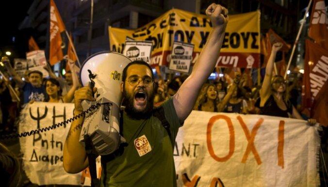 Греция: противники реформ лидируют с крупным перевесом