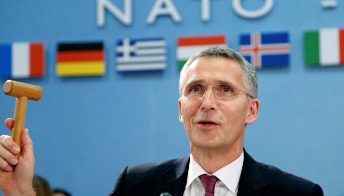 Stoltenbergs bažījas par eskalāciju pēc uzbrukumiem Saūda Arābijas naftas rūpniecības objektiem