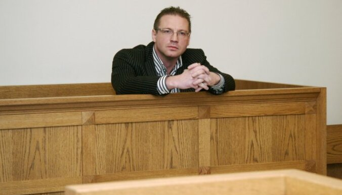 Суд оправдал бизнесмена Шталбергса по делу о поджоге автомобиля Вашкевича