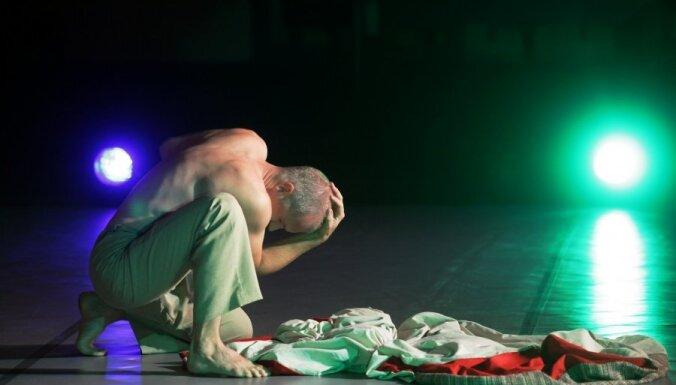 Foto: vīru kopas 'Vilki' vadītājs Lipors gatavo monoizrādi 'Karavīrs'