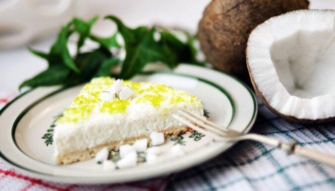 Eksotiskā 'Pina colada' siera kūka bez cepšanas