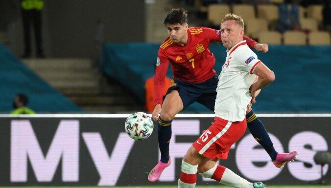 Spānijas izlase nenotur pārsvaru pret Poliju un finālturnīrā vēlreiz spēlē neizšķirti