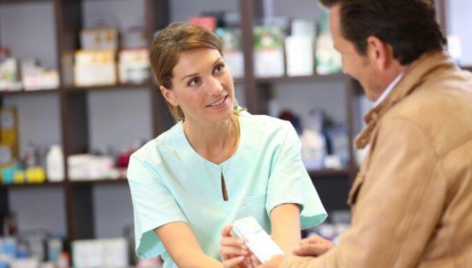 """Врачей в Латвии обяжут писать """"честное"""" название лекарства, а аптеки — выдавать самый доступный по цене препарат"""