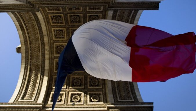 Francijas bijušā ministra skandāls nostāda valdību neērtā situācijā