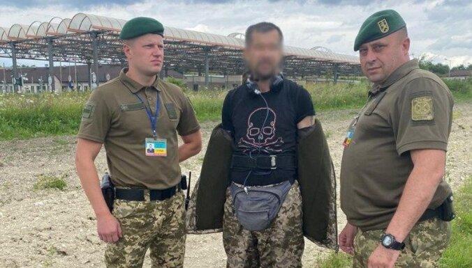 Украина: пограничники задержали гражданина Латвии, переодетого в пограничную форму и несшего наркотики