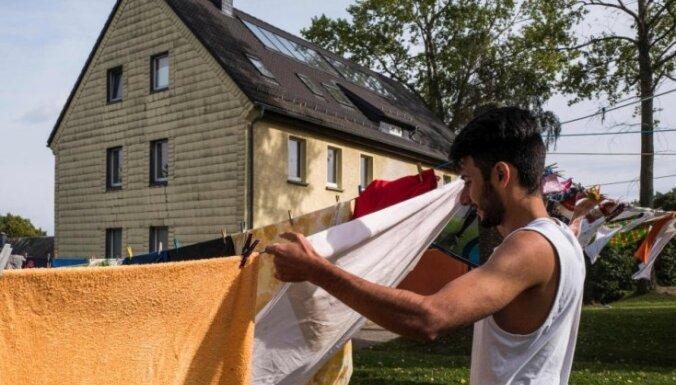 Vācija imigrantiem no ES samazināšot pabalstus