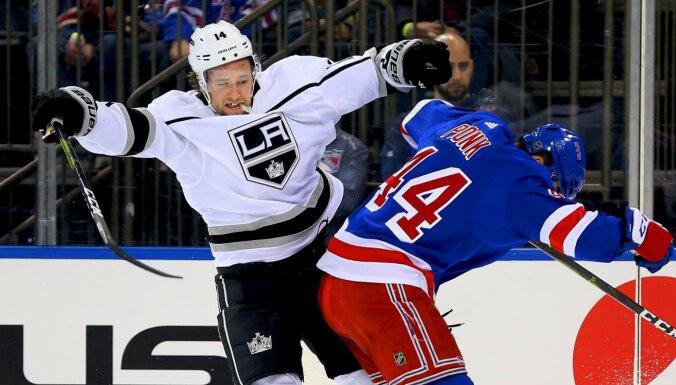 'Capitals' hokejists pēc ķengāšanās internetā zaudē vietu NHL komandā